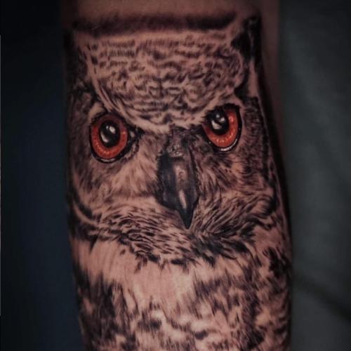 Guest Artist Hannah Estel at Everblack Tattoo Studio